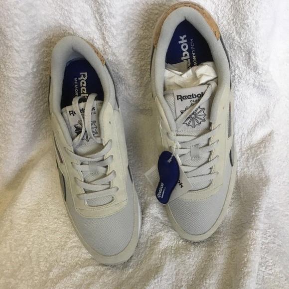 d79df70fcbdbd Reebok Mens Classic Renaissance ST Fashion Sneaker